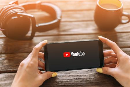 Der YouTube-Kanal von DEKRA Safety Web startet durch